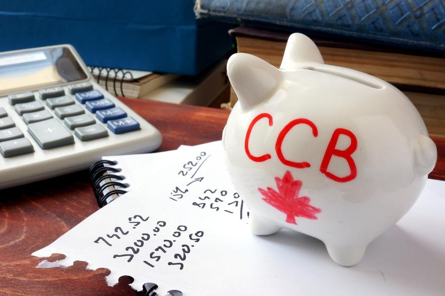 """发钱了!加拿大政府又涨牛奶金 一个孩?#29992;?#24180;最高$6639!华人:""""呸"""""""