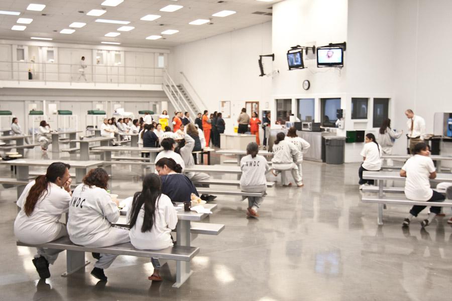 中國留學生被關12天后遣返:加拿大移民拘留所,原來是這樣的!