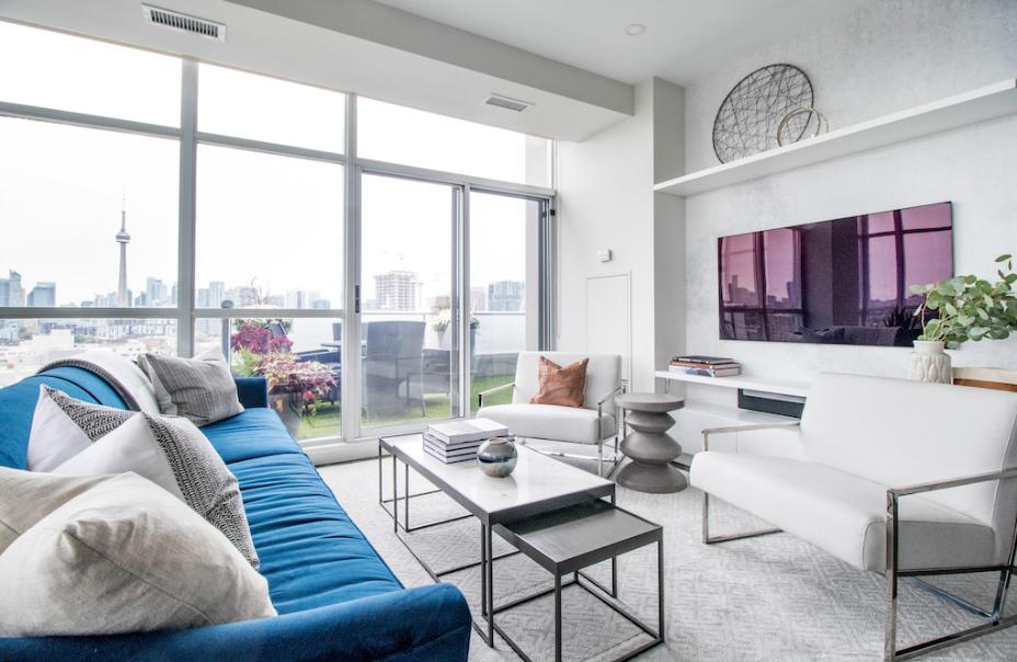 作为公寓业主或准备购买公寓的人士,应该对公寓保险(CondoInsurance)并不陌生。不少人有这样的疑问,公寓保险与管理公司(Condocorporation)购买的保险又有什么不同呢?真的需要购买吗?公寓保险包括你的个人财产,如果在你的公寓发生火灾、破坏或盗窃,保险还包括维修以及给受损财物提供赔偿。如果有人逗留在你公寓期间受伤,保险甚至可以保障你免受法律诉讼。一般来说,租房保险可以选择,但公寓保险很有必要,因为目前已经有不少公寓大楼通过附例,要求住户需另外买公寓保险。...