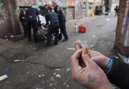 温哥华唐人街周边是怎么演变成毒品、犯罪、流浪汉的聚集地的?