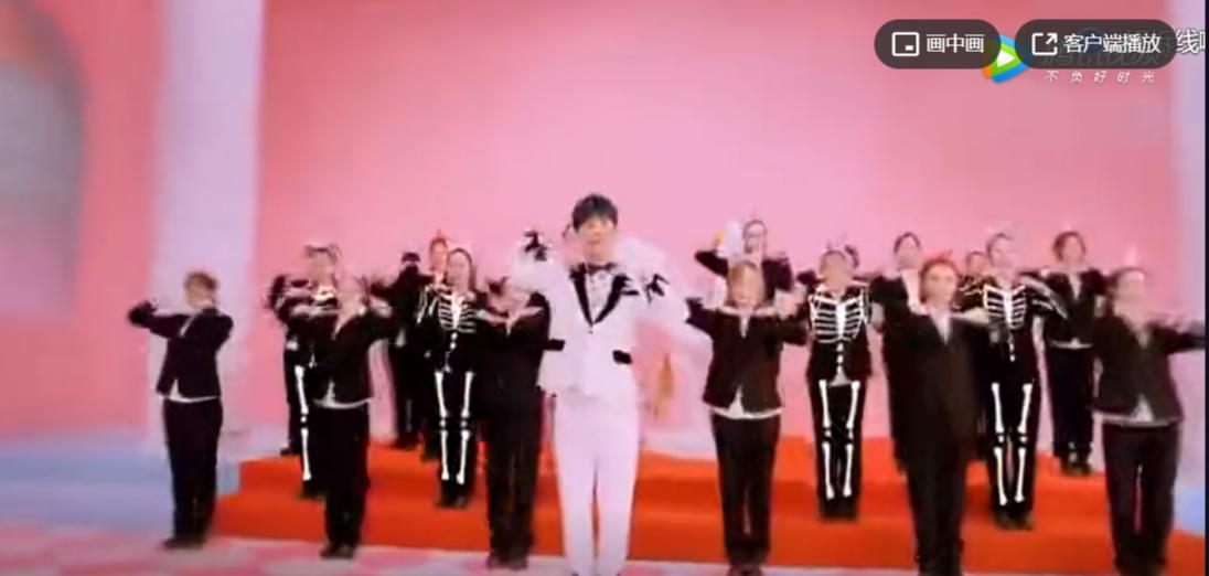 250万老外听一首中文歌吓得惊叫连连!在黑人面前说这句汉语,可能会挨揍!