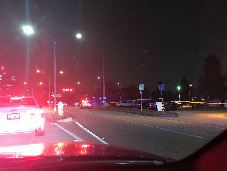 【突发】列治文Garden city15辆警车、胶条封锁现场,交通严重堵塞