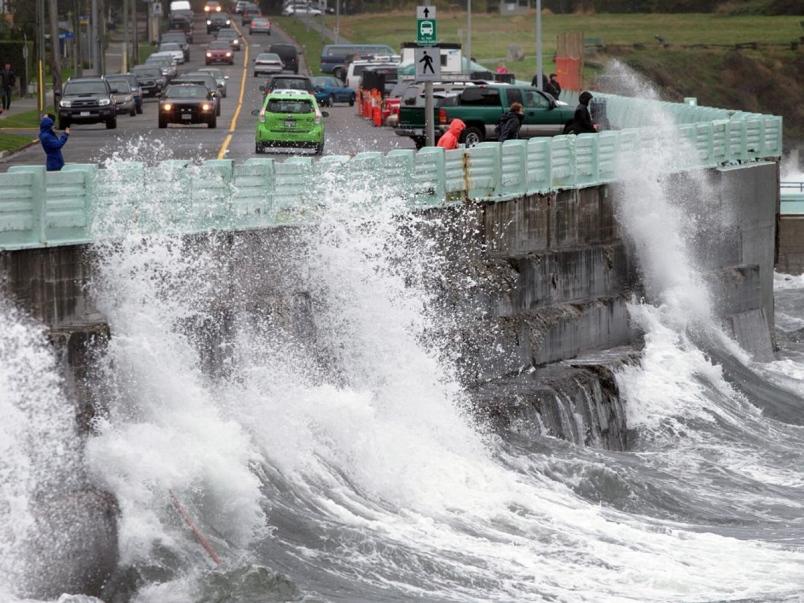 环境部预警!今晚70km/h强风+100ml暴雨袭击大温!做好停电和洪涝准备!