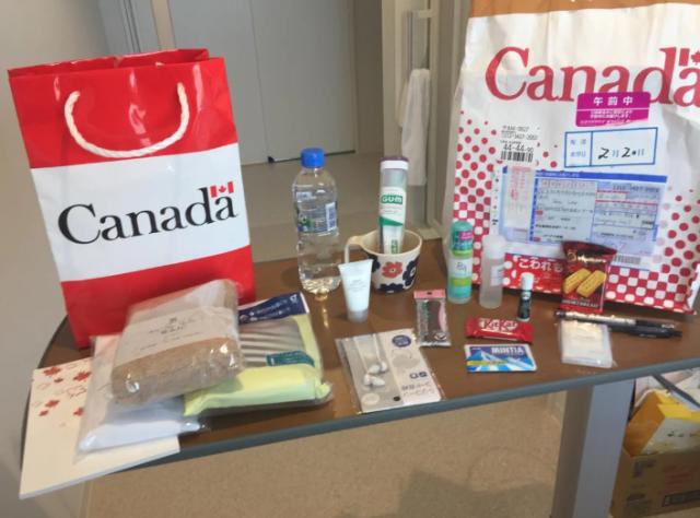 太幸福!加拿大留学生晒图:接机隔离吃住学校全包,UBC隔离餐馋哭16.8万人!