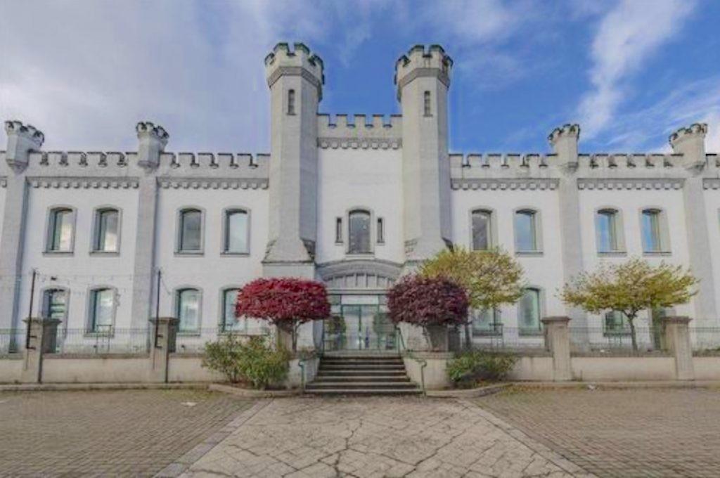 新西敏城堡上盘要价$1500万,是估价2倍!但这房子怕你没胆买……